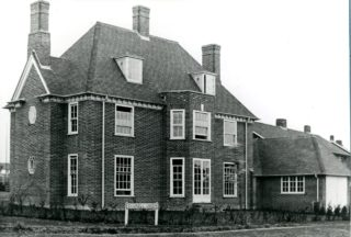 Photo of one of the houses as per the plans in High Oaks Road, c1926 | Hertfordshire Archives and Local Studies, Library photo collection