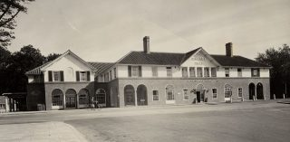 Photograph of The Cherry Tree restaurant in 1935 | Hertfordshire Archives & Local Studies (Local Studies Collection)