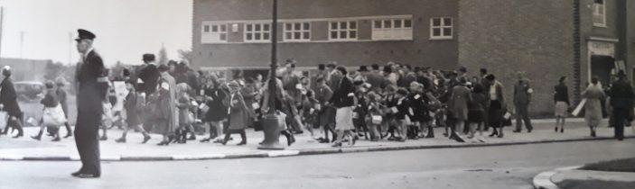 Long queue of children in central Welwy Garden City