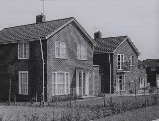 Photograph of houses built by the Development Corporation, c1963 | Ken Wright (Hertfordshire Archives & Local Studies ref CNT/WH/11/1/2/8/7)