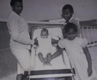 Photograph of Lorna Sanson with her children | Leonard Sanson