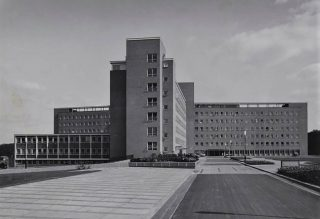 Photograph of The QEII Hospital in 1963 | Peter Brown (Hertfordshire Archives & Local Studies, ref CNT/WH/11/1/2/8/40)