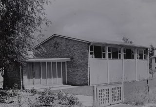 Photograph of the Synagogue on Handside Lane in 1955 | Hertfordshire Archives & Local Studies (ref CNT/WH/1/2/4/12)