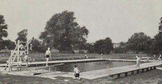 Photograph of Welwyn Garden City Lido in the 1930s | Hertfordshire Archives & Local Studies (Local Studies Collection)