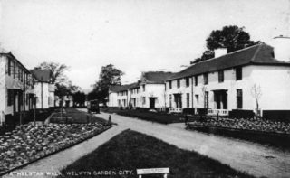 Athelstan Walk original houses c1930 accessed from Broadwater Road. HALS Library photo collection | Hertfordshire Archives and Local Studies