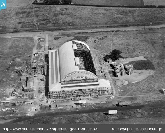 The British Instructional Film Studio under construction - 1928 | English Heritage