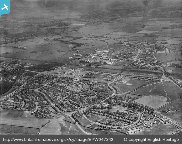 Handside and the town from south west - 1935 | English Heritage