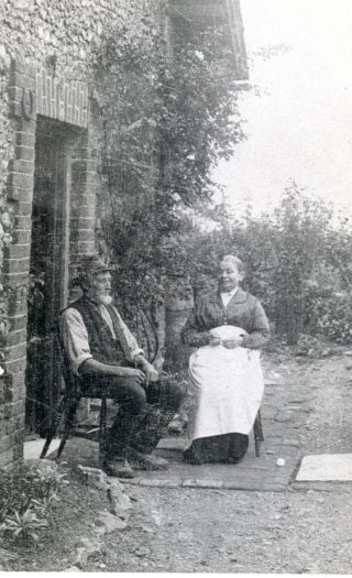 Mr and Mrs Cooper outside Flint Cottage | Welwyn Garden City Library