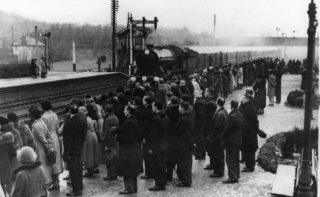 Funeral Train of King George V 23 January 1936   Welwyn Times