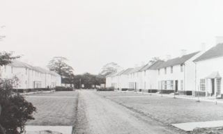 Goblins Green original houses 1930s accessed from Broadwater Road. HALS library photo collection | Hertfordshire Archives and Local Studies