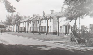 Goblins Green prior to demolishion 1980s accessed from Broadwater Road. HALS library collection | Hertfordshire Archives and Local Studies