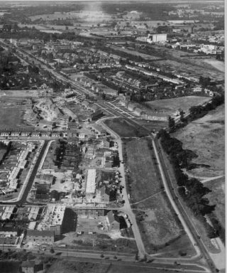 30.6.1952 - This is Stanborough Road and Stanborough Lane, plus Parkway extending to the left hand corner with the Grammar School slightly showing in the bottom left. I used to cycle this way after school to see my mum at Welwyn Department Stores up Parkway, admiring the quite rich looking semi-detached houses.
