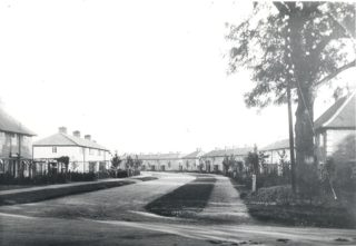 Guessens Road, Eastwards in the 1920's | Hertfordshire Archives and Local Studies
