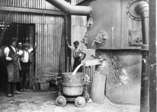 Welwyn iron Foundry 1928 | Hertfordshire Archives and Local Studies