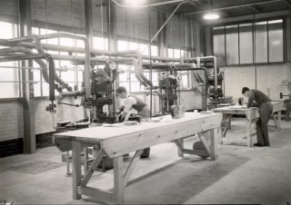 Moulding Powder Test Presses - ICI Plastics | Campus West Library - Welwyn Garden City