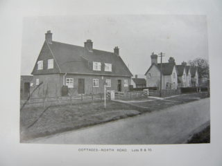 Cottages on the Great North Road | [HALS: Ref DE/P/E66/7]