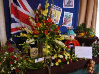 'War Time Years', floral arrangement by Margaret Silsby, Helen Kay and Jennifer Rayne | Jane Sartin