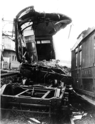 The damaged carriages | Hertfordshire Archives and Local Studies