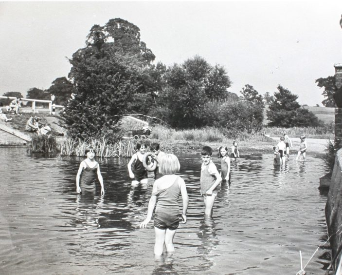 1940s Schooldays In Welwyn Garden City, Swimming Pool Welwyn Garden City