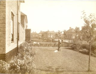 Valley Road, Eastwards in 1927 | Hertfordshire Archives and Local Studies