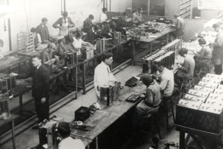 Murphy Radio Workshop 1930 | Hertfordshire Archives and Local Studies