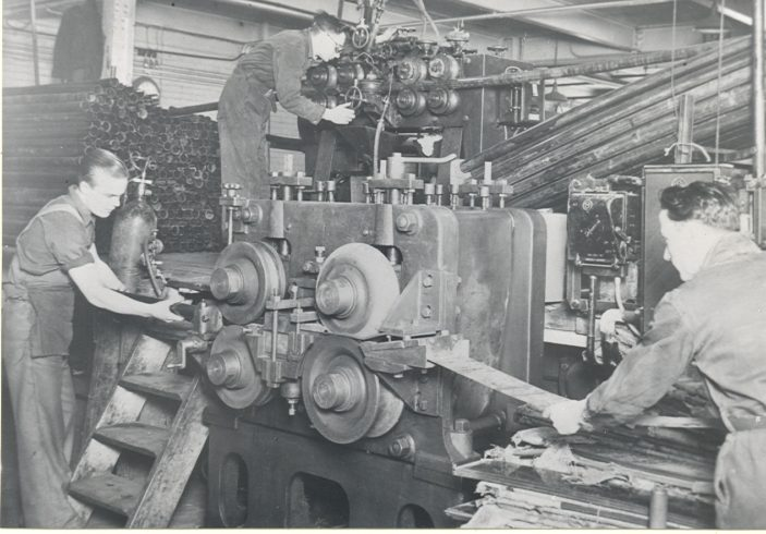 Unity Machine and workers | Hertfordshire Archives and Local Studies